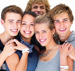 619316-teeth-whitening-services